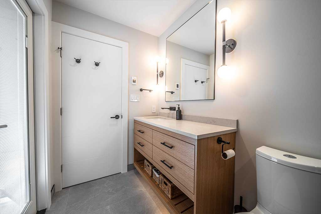 Squamish House Ensuite Vanity Image