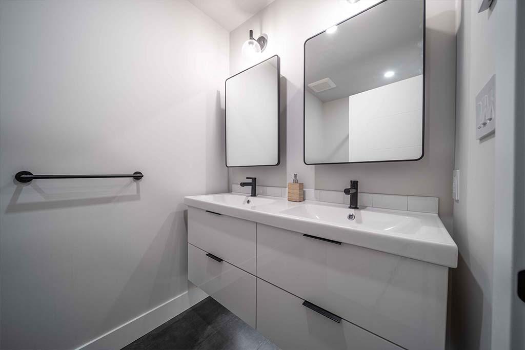 Squamish House Main Bathroom Vanity Renovation Image